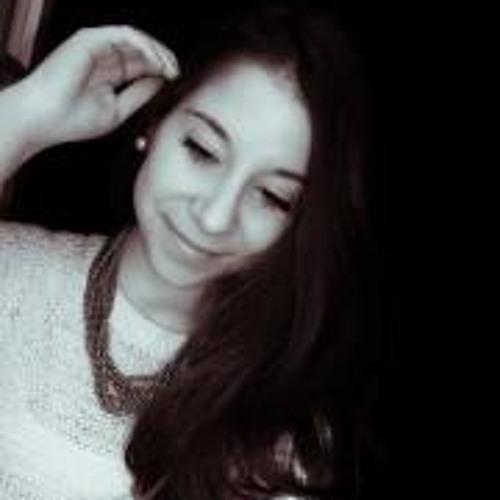 Laura Carvalho 16's avatar