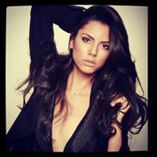 Hellen De Oliveira's avatar