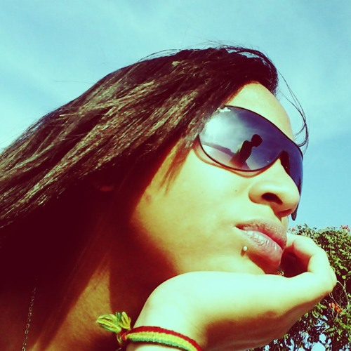 Ariadne Rodrigues *o*'s avatar