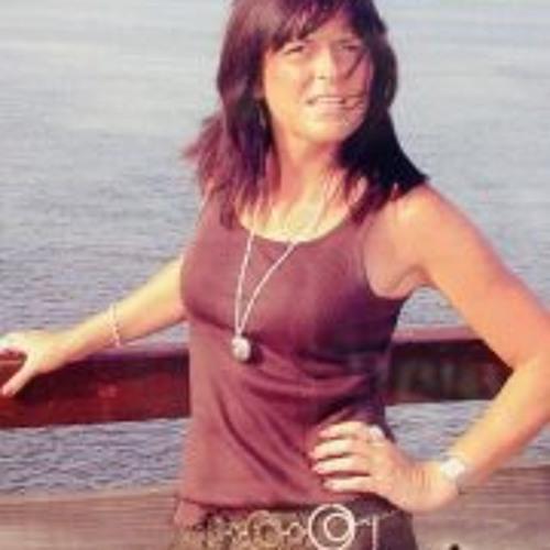 Beth Hodges's avatar