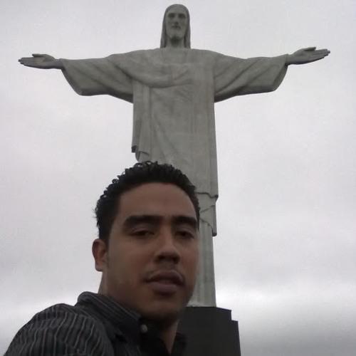 Raymond Leonardo Fiallos's avatar