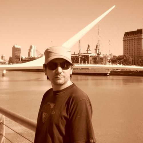 Julio Sandoval Berti's avatar