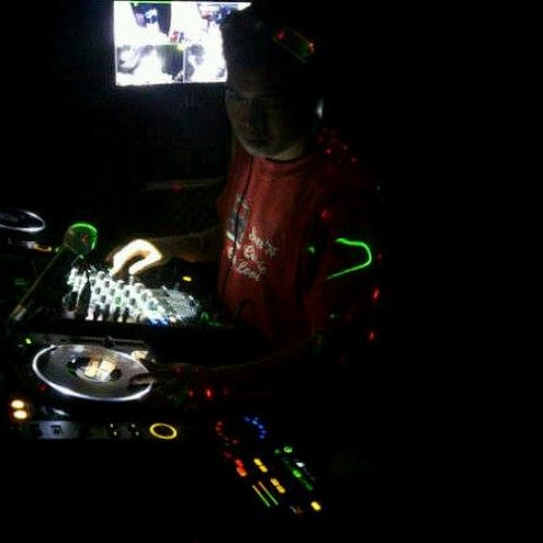 dj rendy oktaviano's avatar