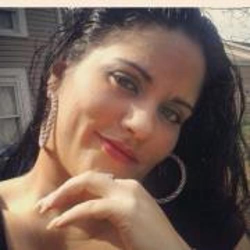 Yalitza Nieves's avatar