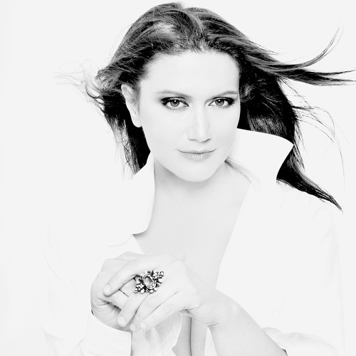 Eda Zari Music Official's avatar