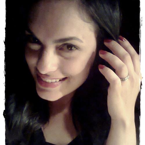 Letícia Bello's avatar