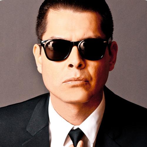 Derek Miller's avatar