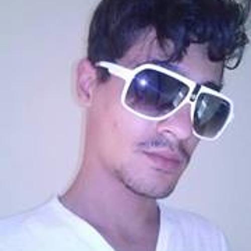 Adur Quioma's avatar