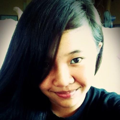 Christine Mari's avatar