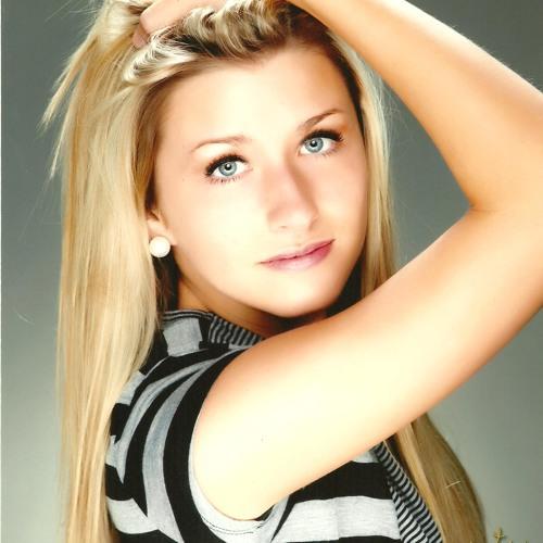 daniellemsmith3's avatar