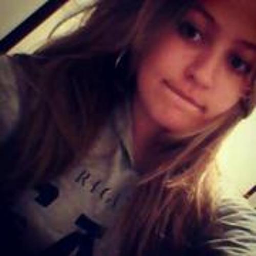 Julia Rodrigues 16's avatar