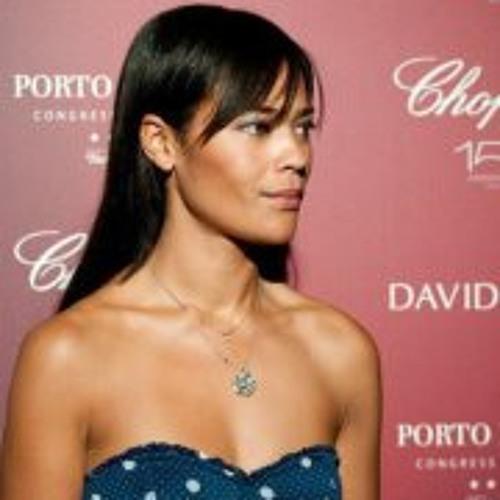 Andreia Calixto's avatar