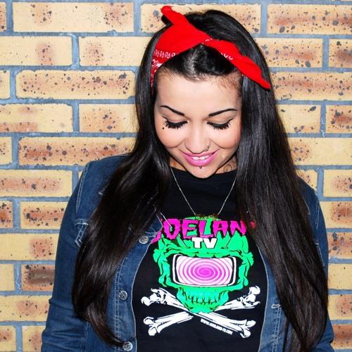 Minie Chanty's avatar