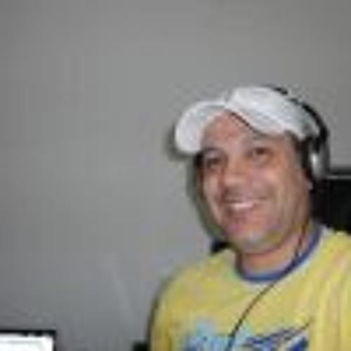 Renato Nascimento Silva's avatar