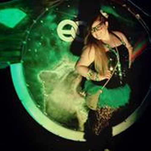 Hannah Kulukjian's avatar