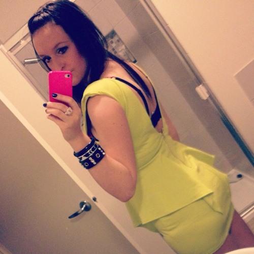 charlieeee:)'s avatar