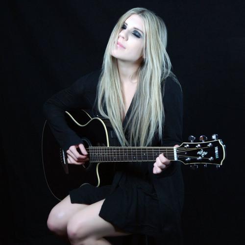 Miss Luvlee's avatar
