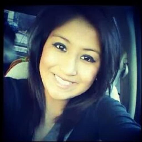 Mariana Ruby <3's avatar