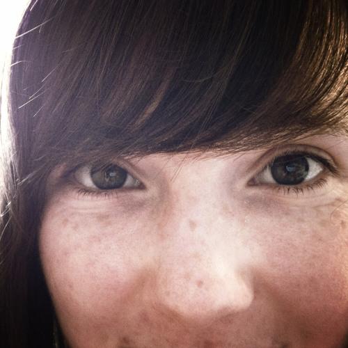 Esther Victoria's avatar