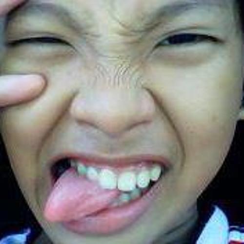 april-pabualan's avatar