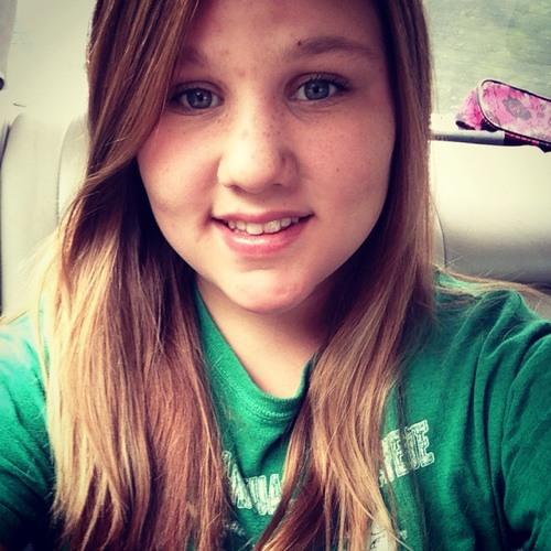 carlee(:'s avatar