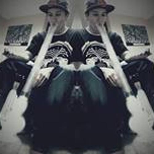 Kenny Lewis 12's avatar