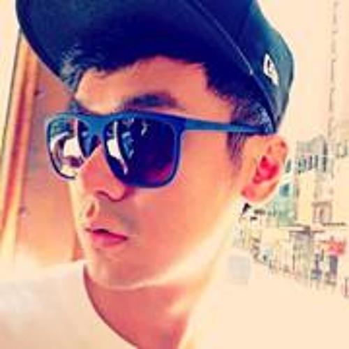 Dominic Tang's avatar