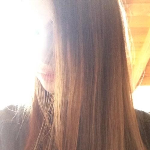 izzzabella_16's avatar