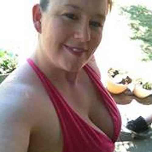 Carolyn Riss's avatar