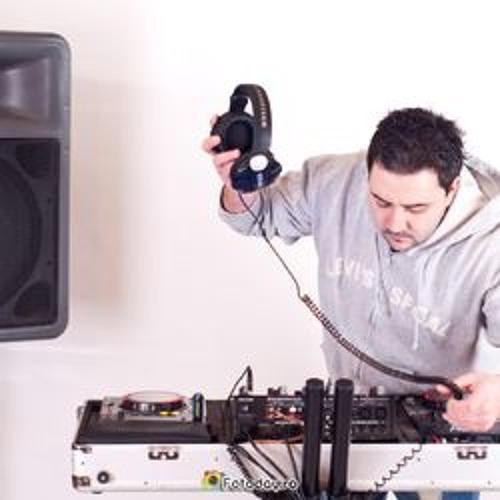 DJ Valiku's avatar