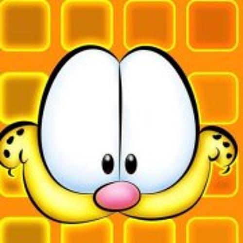 Karaline Flores's avatar