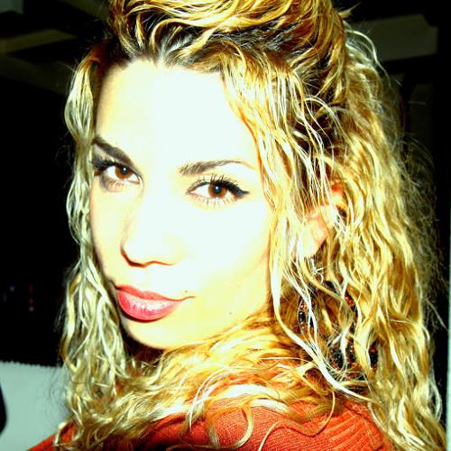 Arjana Alija's avatar