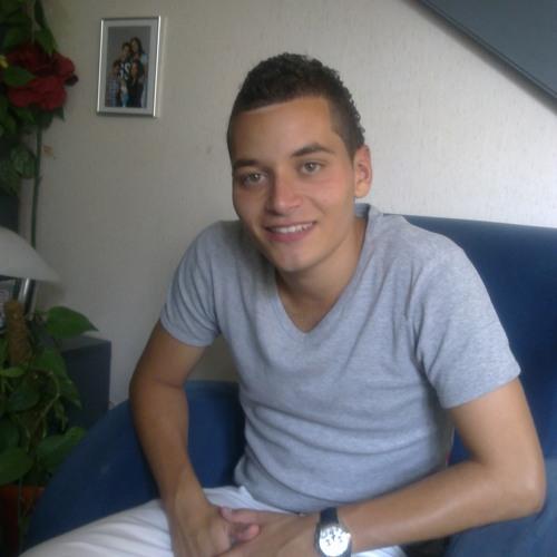 Tarek Oulidah's avatar