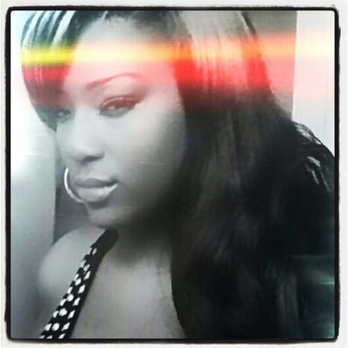 Queen Bella's avatar