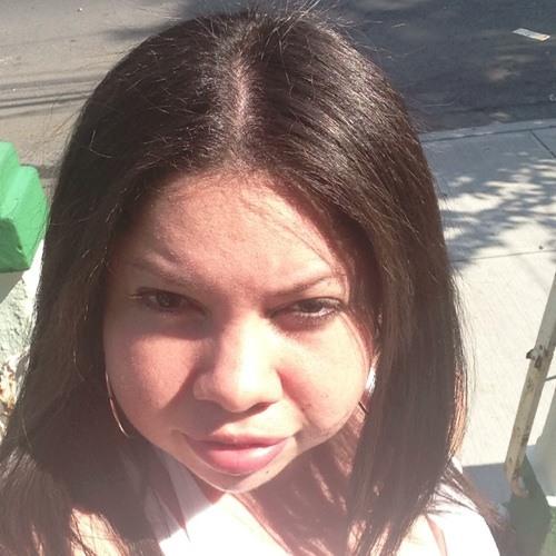 Jesenia Quinones's avatar