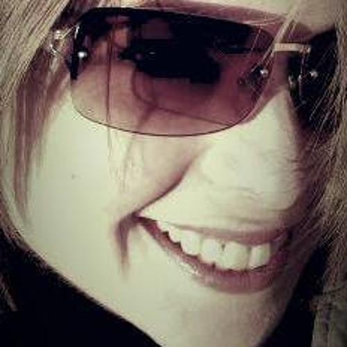SELINA :D's avatar