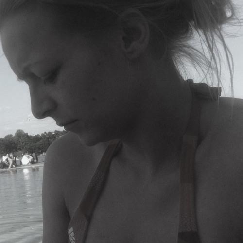 lovelyChaosgirl83:)'s avatar