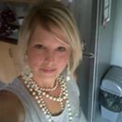 Gemma Lewis 5's avatar