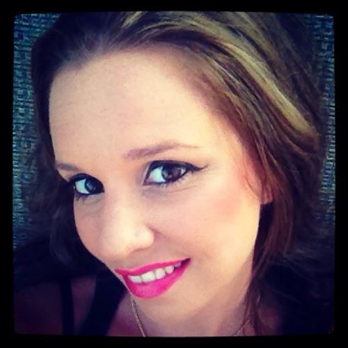 MauraAnne's avatar