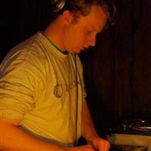 DJ U4EA's avatar