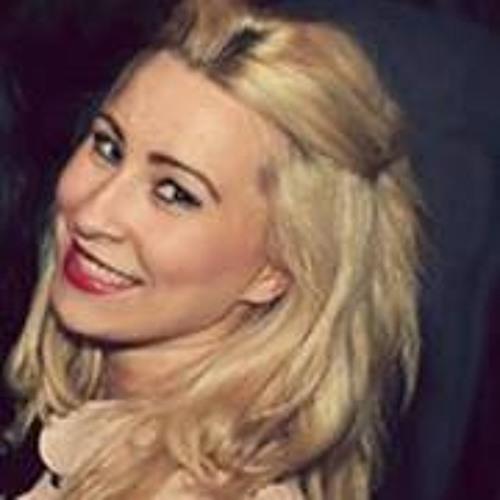 Ashlie Snelling's avatar