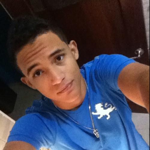 Luis Rafael's avatar