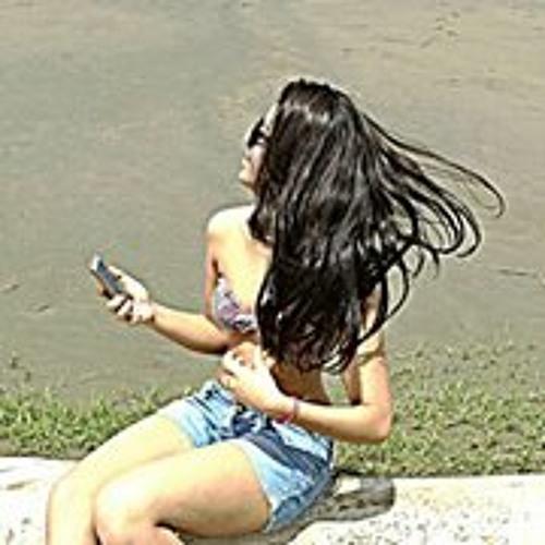 Paula Fernanda Corrêa's avatar
