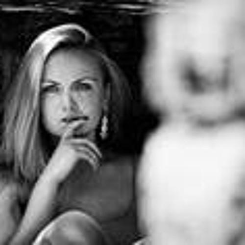 Anna Ilona Szabo's avatar