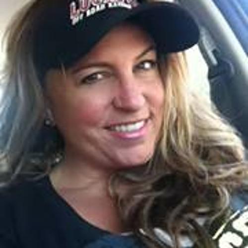 Holly Sunderland's avatar