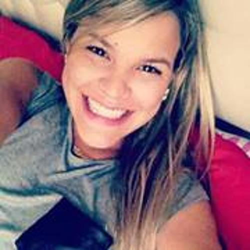 Clarinha Pimenta's avatar