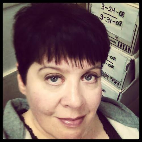 Julie Sage's avatar