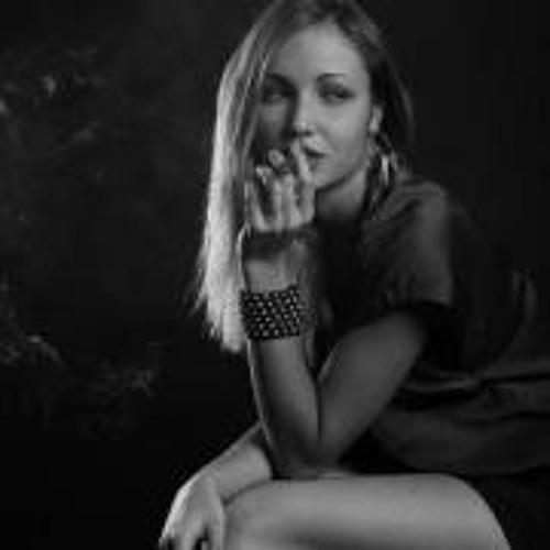 Anna Ilona's avatar