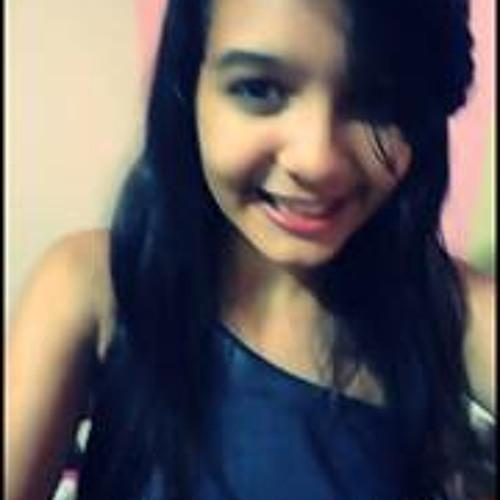 Larissa Lousrhania's avatar