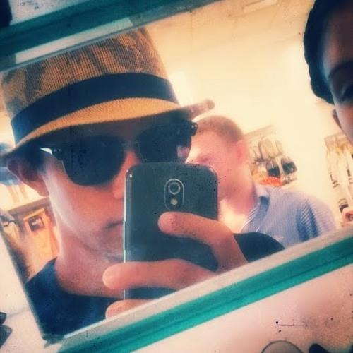Skyller Khrown's avatar